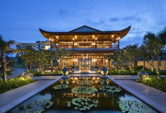 The Stylish New Beachfront Restaurant and Seafood Grill Puts Cam Ranh Bay on The Culinary Map